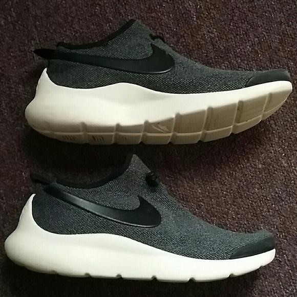 042634c64a5 Nike running sneakers no laces. M 5b8d62b67386bc7239b5b945